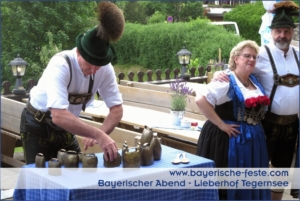Bayerische Schuhplattler in München, Augsburg, Ingolstadt, Nürnberg, Regensburg, Straubing, Passau, Salzburg, Zürich